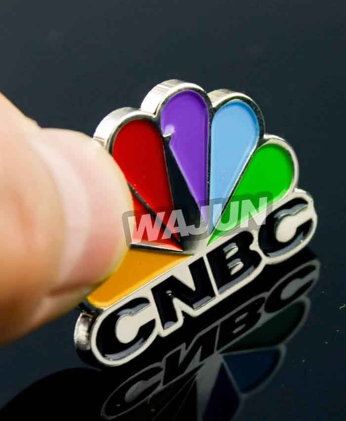 Custom colorful zinc alloy soft enamel logo badge